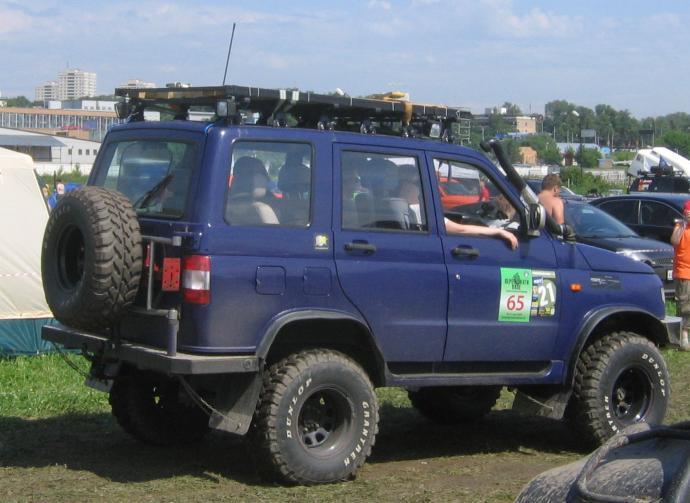 авомобиль: УАЗ 3160 подготовка 'Туризм' Шина:  Dunlop