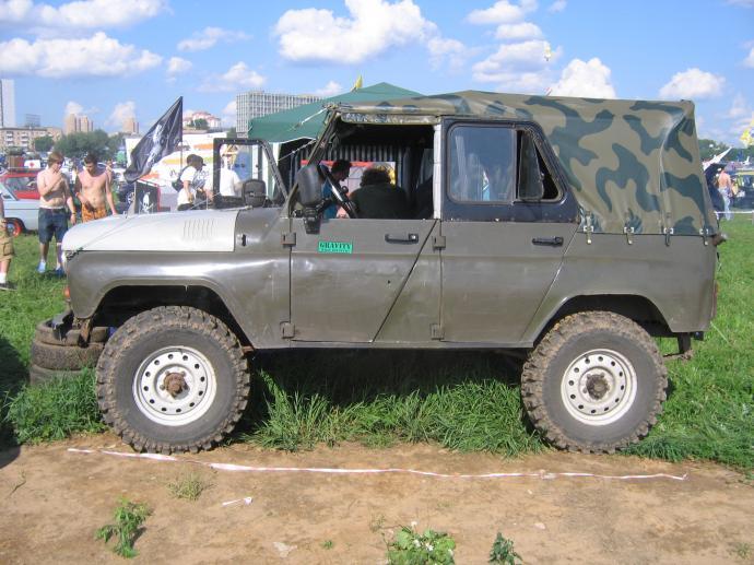 авомобиль: УАЗ 469 (3151*) подготовка 'Туризм' Шина: Simex Extreme Trekker 32x9.5-16