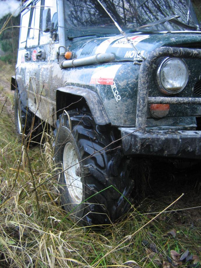 авомобиль: УАЗ 469 (3151*) подготовка 'Экстрим' Шина: ФБел - 160м Диски:  OFF-ROAD Wheels WH 8.00x16 ; 5x139.7 вылет -19