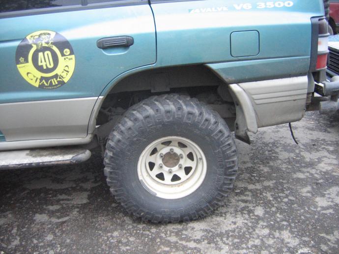авомобиль: Mitsubishi Pajero II подготовка 'Туризм' Шина: Baja Claw Radial Диски: