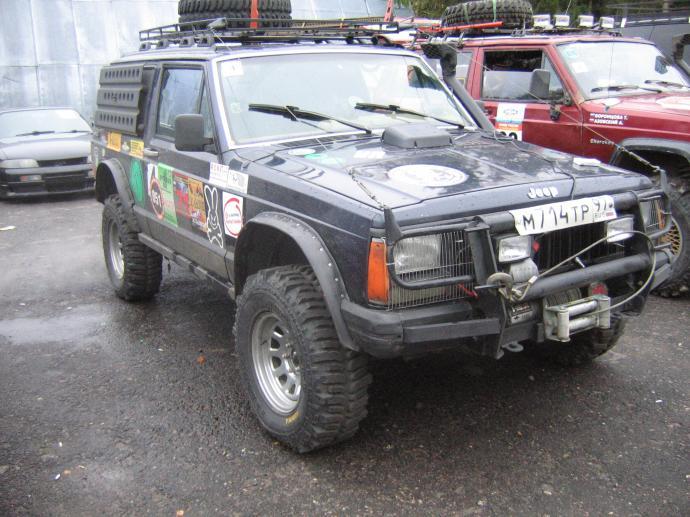 авомобиль: Jeep Cherokee подготовка 'Туризм' Шина: Fedima Sirocco 31/10.50 R15