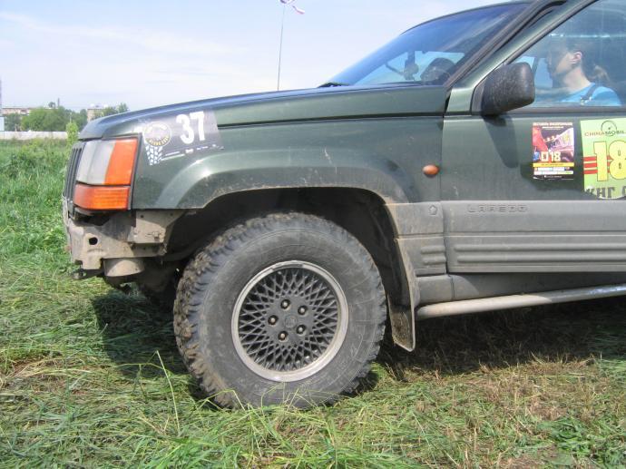 авомобиль: Jeep Grand Cherokee подготовка 'Стандарт' Шина: Я-569 235/75R15
