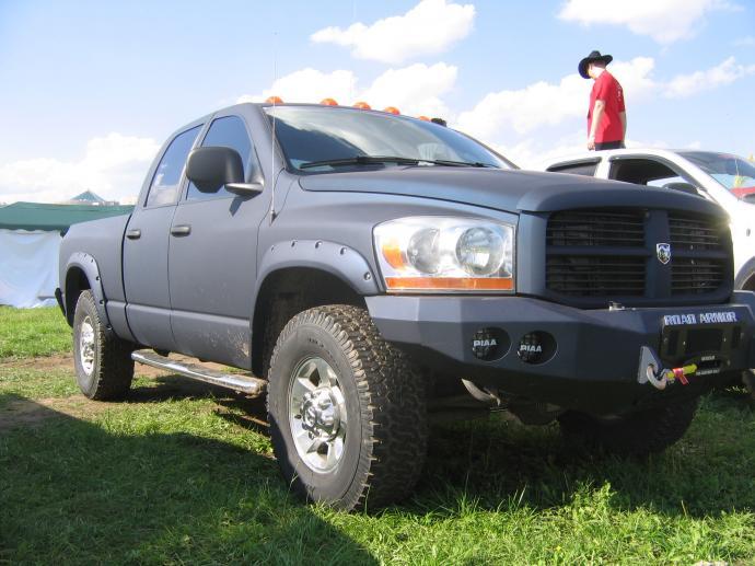авомобиль: Dodge RAM 2500 подготовка 'Стандарт' Шина: Mickey Thompson Baja MTZ Radial LT315/70R17