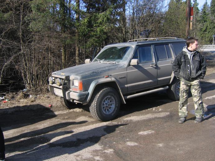 авомобиль: Jeep Cherokee подготовка 'Туризм' Шина: Yokohama Geolandar A/T  31X10,50R15