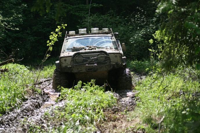 авомобиль: Jeep Cherokee подготовка 'Экстрим' Шина: Super Swamper Bogger 15/38.5-15LT Диски:  ProComp RC 51 10.00x15 ; 5x114.3 вылет -44