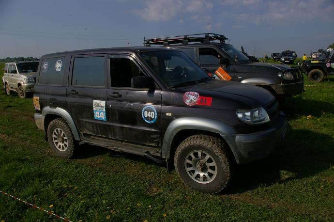 авомобиль: УАЗ Patriot подготовка 'Стандарт' Шина: Hankook RT03 LT245/75R16