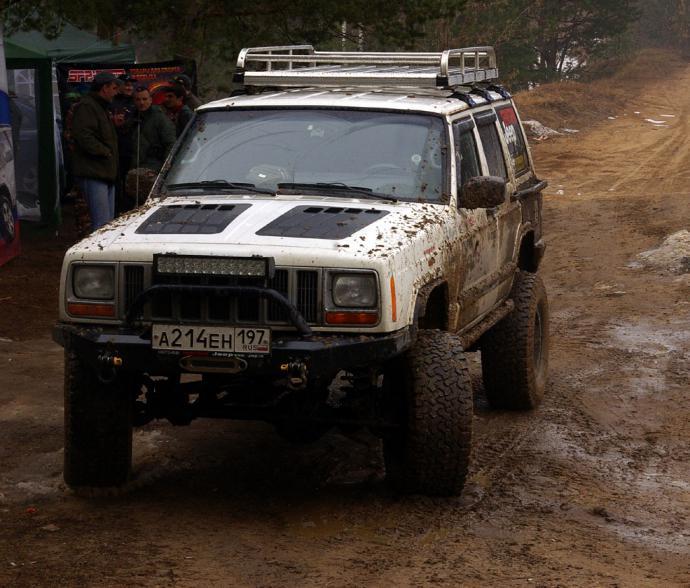 авомобиль: Jeep Cherokee подготовка 'Экстрим' Шина: BFGoodrich  ALL-TERRAIN KO 33x12.50 R15/C