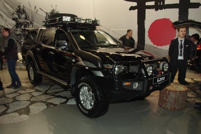 авомобиль: Mitsubishi L200 IV (Triton) подготовка 'Стандарт' Шина: BFGoodrich  MUD-TERRAIN T/A KM2 LT285/75R16/E