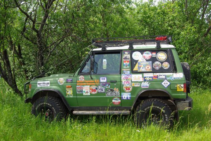 авомобиль: Mitsubishi Pajero I подготовка 'Туризм' Шина: Cooper Discoverer STT 33X12.50R15LT Диски:  OFF-ROAD Wheels BL
