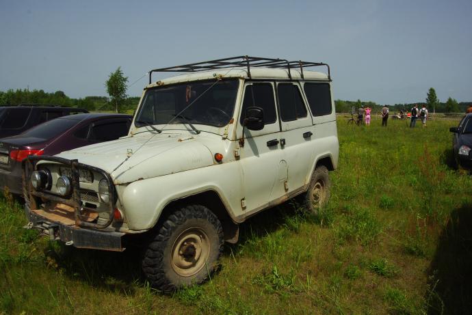 авомобиль: УАЗ 469 (3151*) подготовка 'Стандарт' Шина: Forward Safari 510 215/90-15C