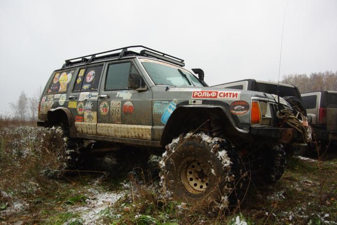 авомобиль: Jeep Cherokee подготовка 'Экстрим' Шина: Super Swamper Bogger 37x13.00-15LT Диски:  OFF-ROAD Wheels WH 10.00x15 ; 5x114.3 вылет -50