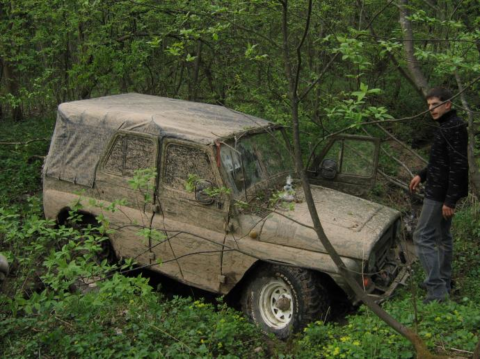 авомобиль: УАЗ 469 (3151*) подготовка 'Экстрим' Шина: BFGoodrich  MUD-TERRAIN T/A KM  35x12.50 R15/C Диски:   WH