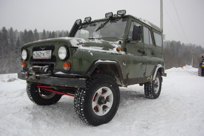 авомобиль: УАЗ 469 (3151*) подготовка 'Туризм' Шина: Cooper Discoverer M+S 265/75R16