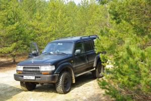 авомобиль: TOYOTA Land Cruiser 80 подготовка 'Туризм' Шина: Cooper Discoverer S/T LT285/75R16