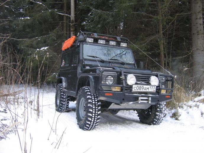 авомобиль: Land-Rover Defender подготовка 'Экстрим' Шина: Simex Extreme Trekker 35x11.5-15 Диски:   CH