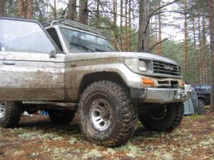 авомобиль: TOYOTA Land Cruiser 70 подготовка 'Туризм' Шина: BFGoodrich  MUD-TERRAIN T/A KM  35x12.50 R15/C Диски:  КРамЗ Лидер 8.00x15 ; 6x139.7 вылет -25