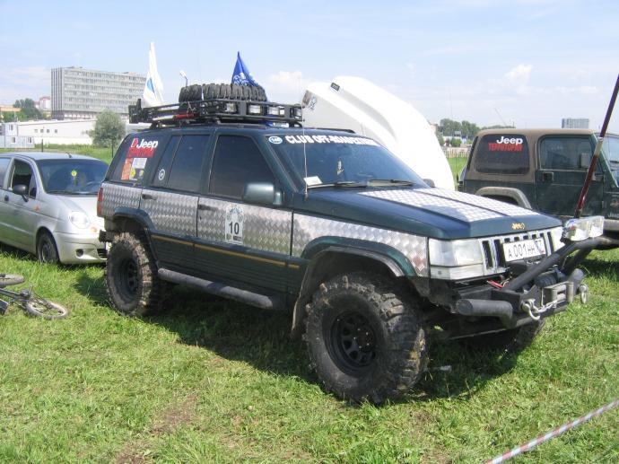 авомобиль: Jeep Grand Cherokee подготовка 'Экстрим' Шина: Super Swamper Bogger 33x12.50-15LT Диски:  ProComp RC 83 8.00x15 ; 5x114.3 вылет -19