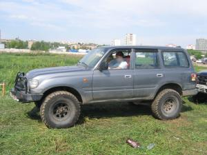 авомобиль: TOYOTA Land Cruiser 80 подготовка 'Туризм' Шина: Pro Comp  MT 35/12.50 R15 Диски:   BL