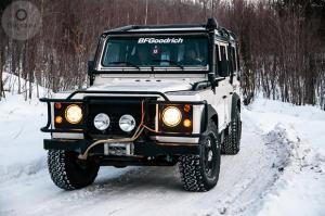 авомобиль: Land-Rover Defender подготовка 'Туризм' Шина: All-Terrain T/A KO2